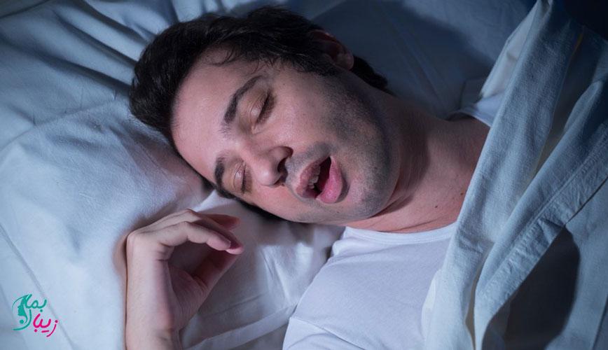 عرق شبانه در خواب : علائم، علل و روش های درمان