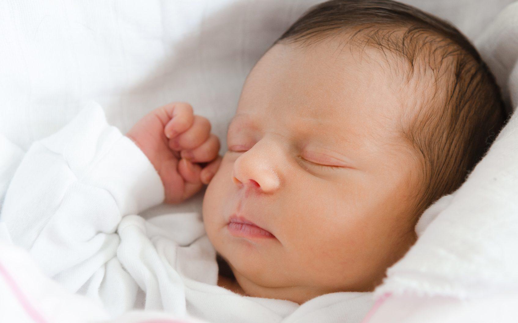درمان عرق کردن نوزاد