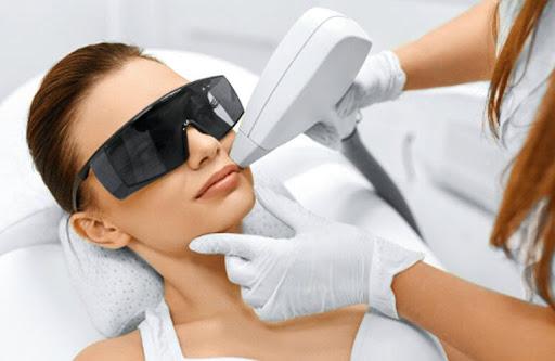 عوارض جانبی بعد از لیزر پوست صورت
