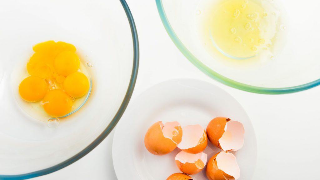 ماسک روغن زیتون و سفیده تخم مرغ