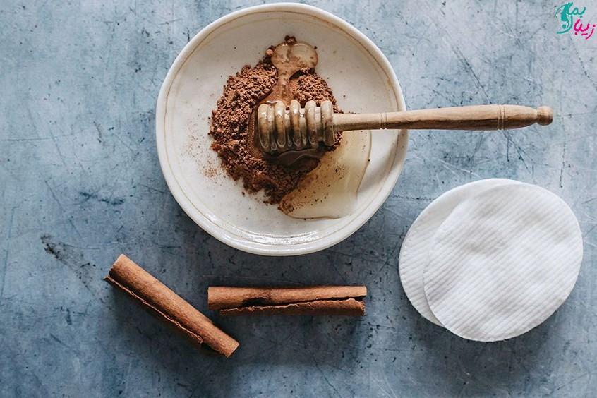 ماسک عسل و دارچین برای جوش و لک و چین و چروک