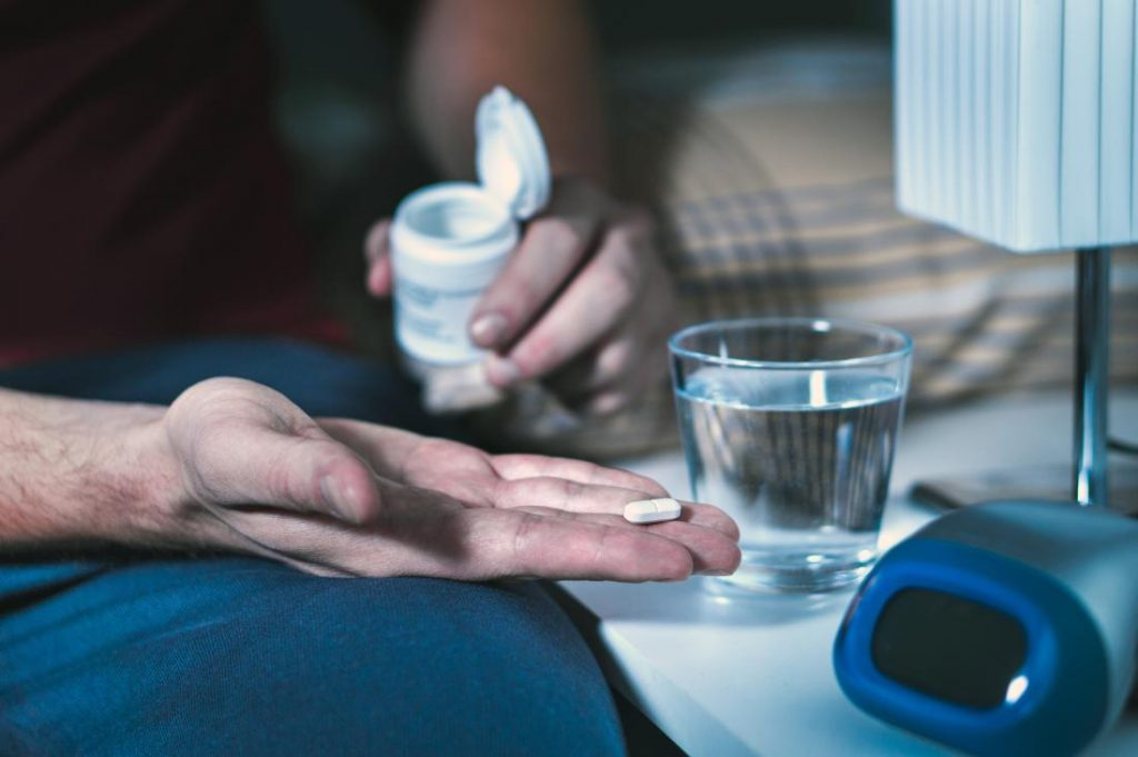علل درد دندان و درمان آن در شب