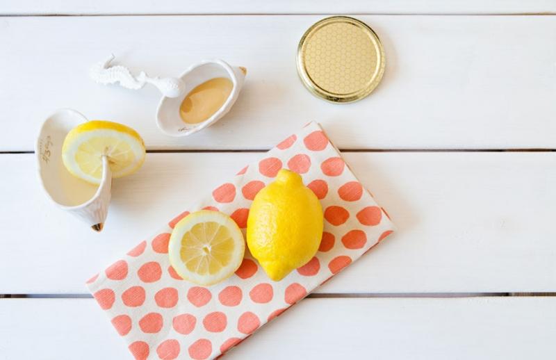 نحوه استفاده از عسل برای درمان جوش
