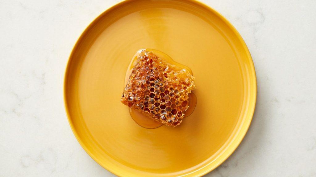 عسل برای درمان جوش